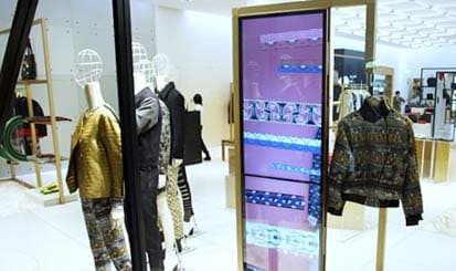 KENZO incorporates Samsung Display Solutions
