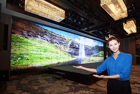 Samsung Electronics installs large scale video wall at JW Marriott Dongdaemun Square Seoul