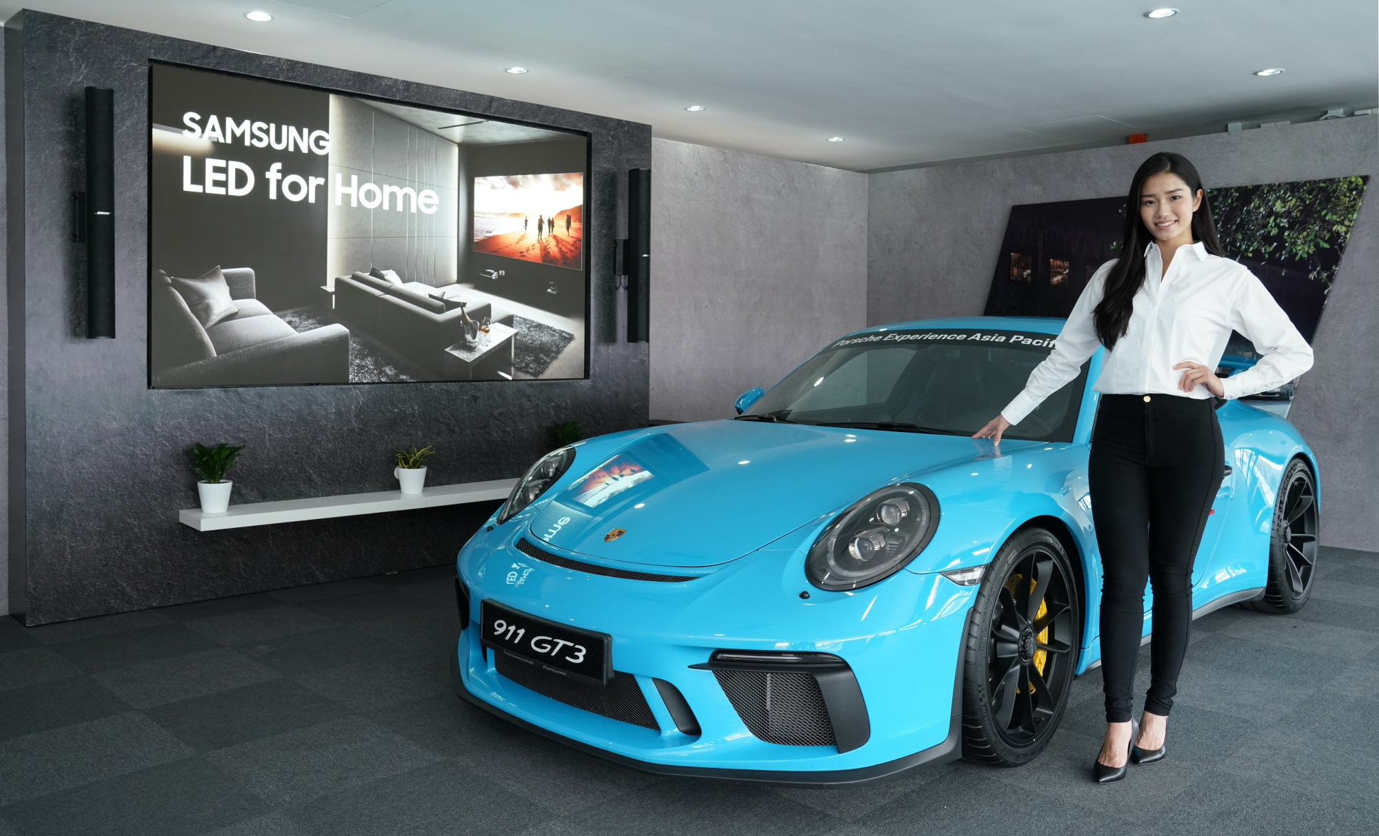 Samsung Collaborates with Porsche Image